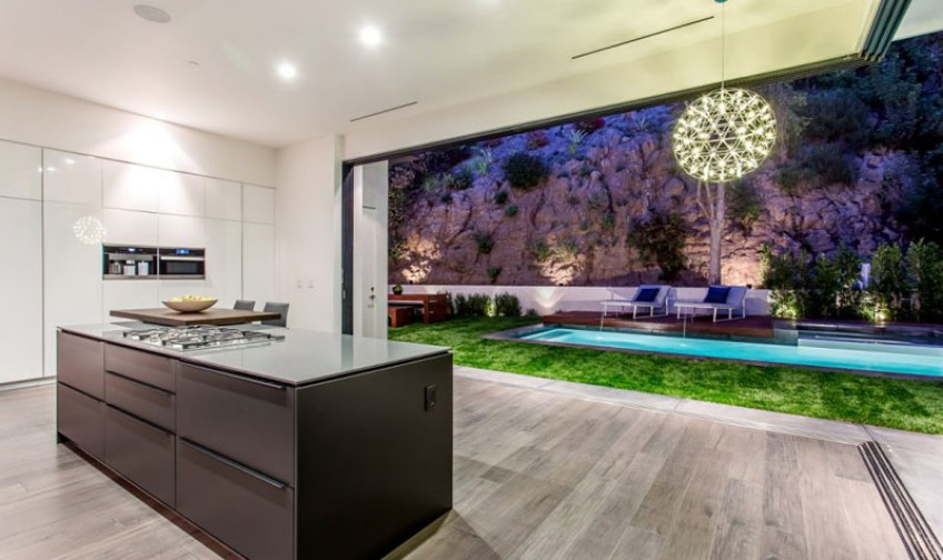lighting Discover Why This Modern House is Lighting Up the Hollywood Hills Discover Why This Modern House is Lighting Up the Hollywood Hills 9
