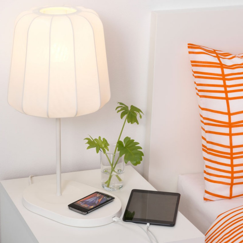 Dress Up Your Bedroom With These Bedside Table Lamps bedside table lamps Dress Up Your Bedroom With These Bedside Table Lamps Dress Up Your Bedroom With These Bedside Table Lamps 7