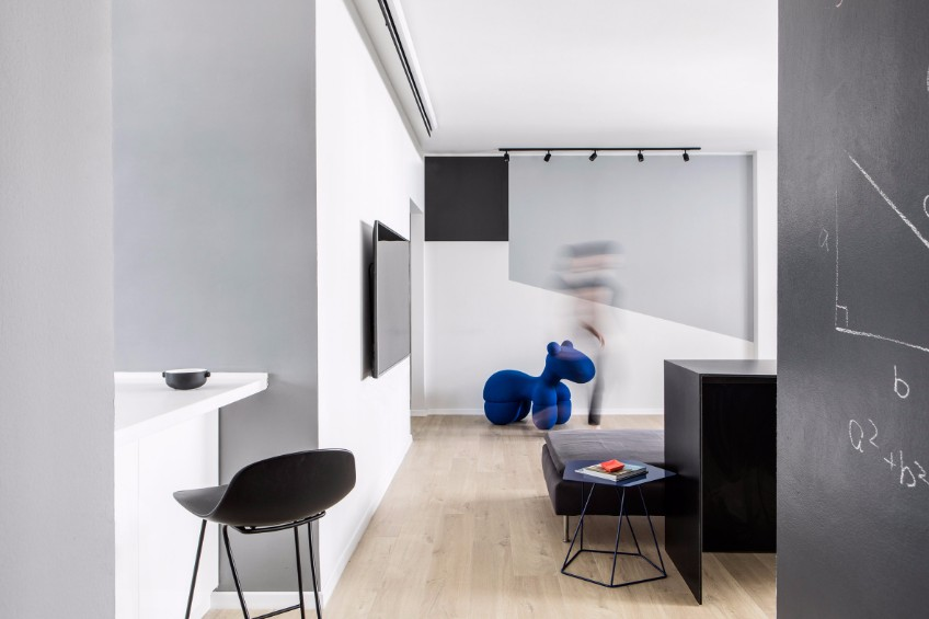 Take A Look The Lighting Design Of This Minimalist Apartment
