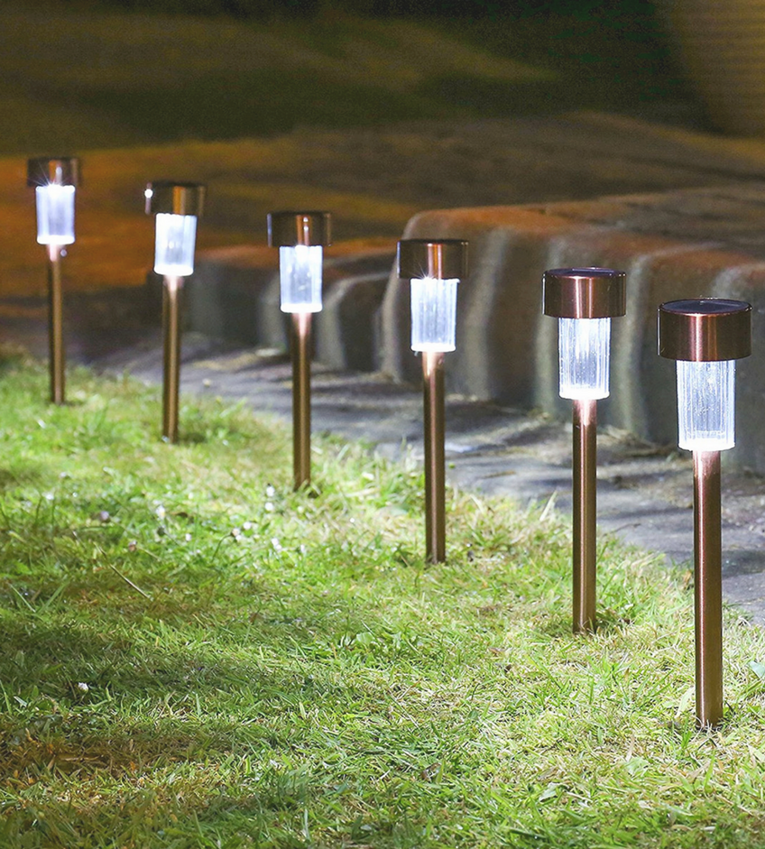 "Landscape Lighting Trends That Will Be In And ""Out"" for 2018 (2) Landscape Lighting Landscape Lighting Trends That Will Be ""In"" And ""Out"" for 2018 Landscape Lighting Trends That Will Be In And    Out    for 2018 2"
