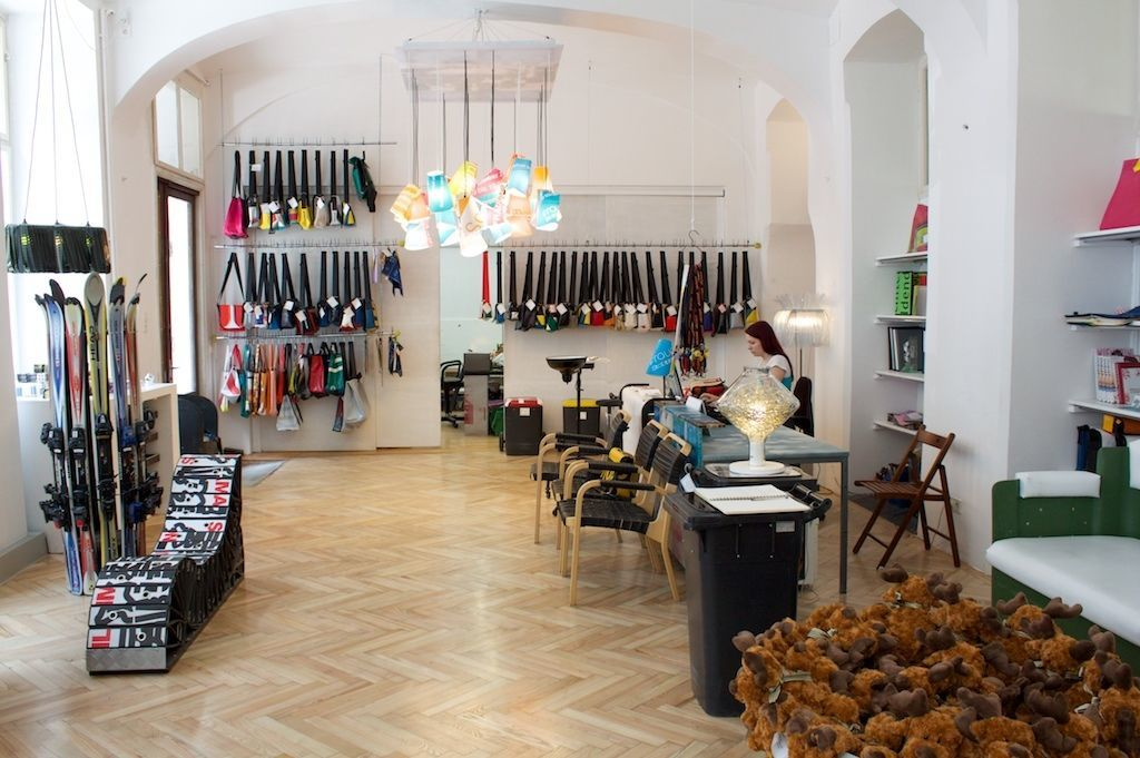 Time To Pack Your Bags And Visit The Best Lighting Stores In Vienna 8 Lighting Stores In Vienna Time To Pack Your Bags And Visit The Best Lighting Stores In Vienna Time To Pack Your Bags And Visit The Best Lighting Stores In Vienna 8