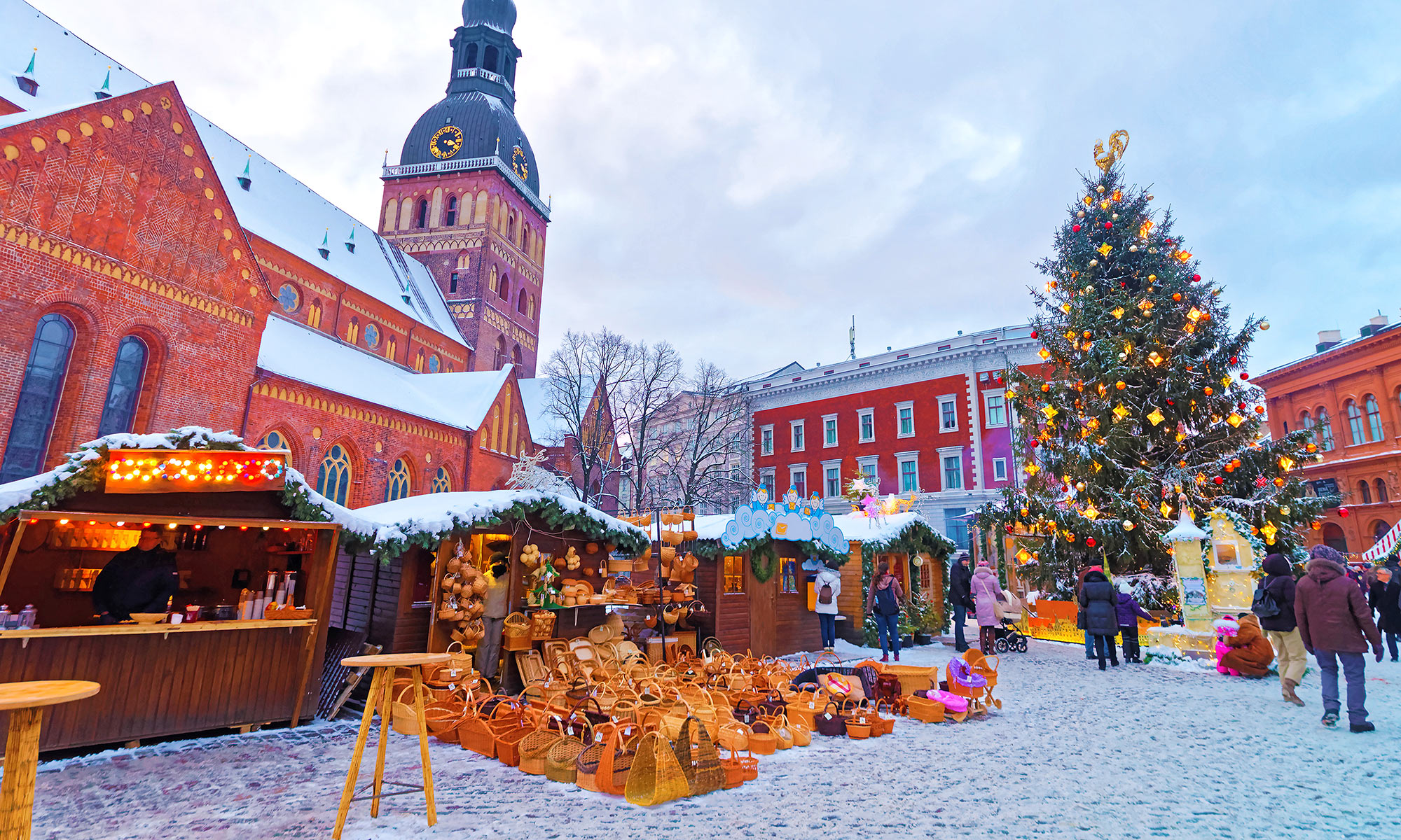 6 Days To Christmas The Most Amazing Christmas Towns Around The World 4 Days To Christmas Days To Christmas 6 Days To Christmas: The Most Amazing Christmas Towns Around The World 6 Days To Christmas The Most Amazing Christmas Towns Around The World 4