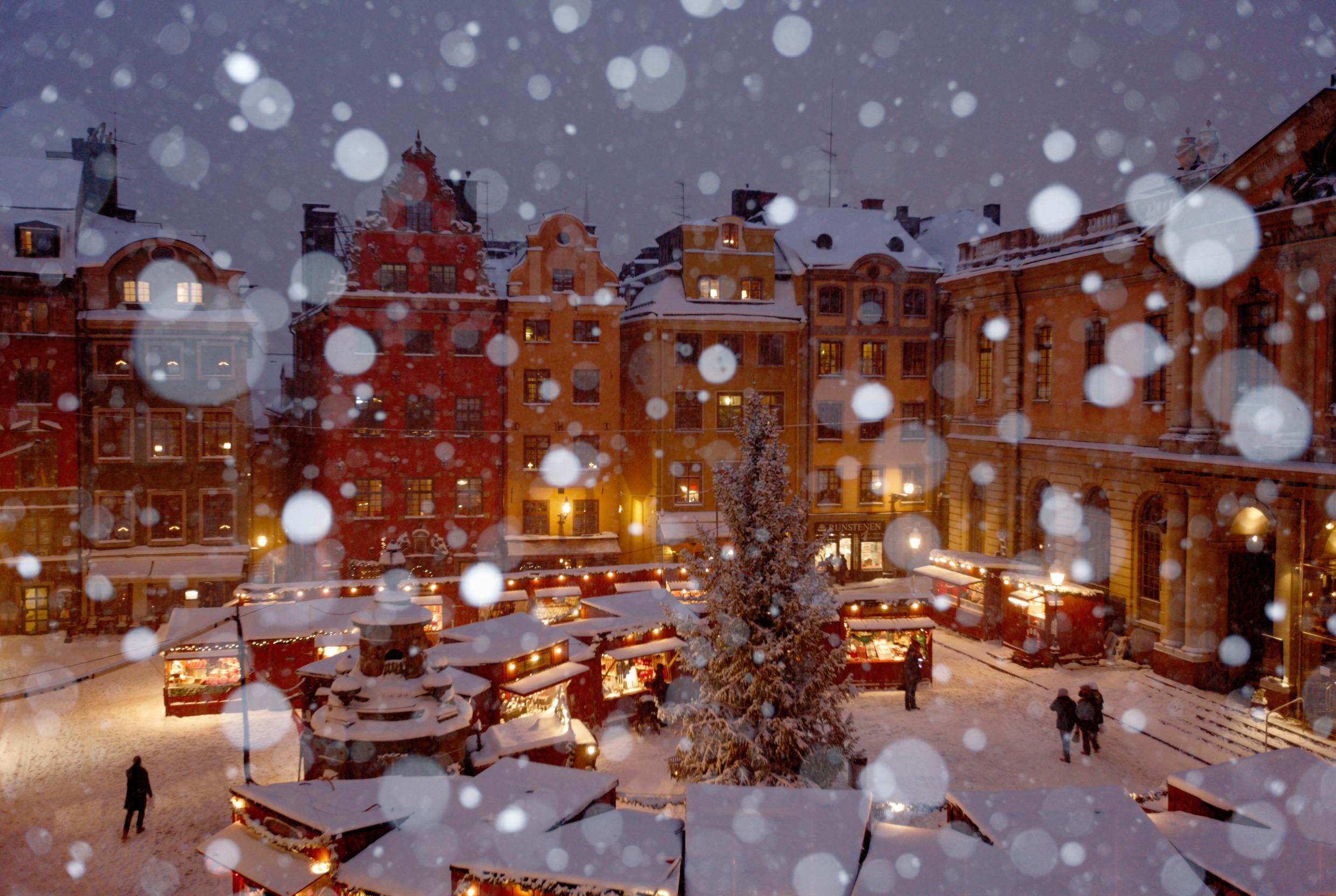 6 Days To Christmas The Most Amazing Christmas Towns Around The World 8 Days To Christmas Days To Christmas 6 Days To Christmas: The Most Amazing Christmas Towns Around The World 6 Days To Christmas The Most Amazing Christmas Towns Around The World 8