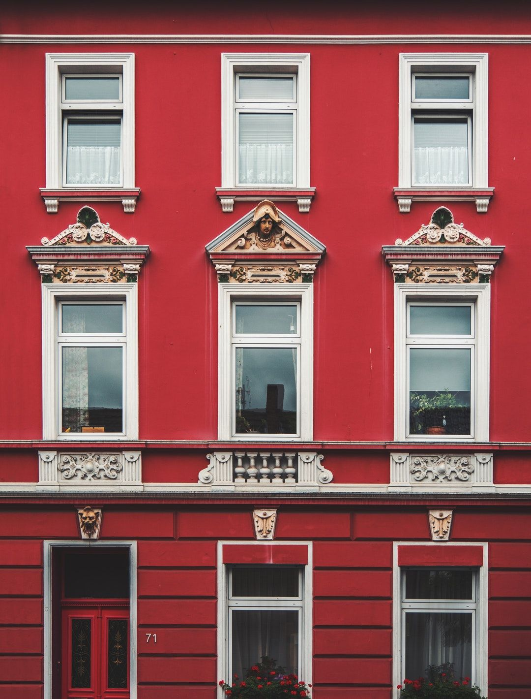 New Trends We're All About The Red Color These Days, You Should Too 6 new trends New Trends: Red Color Took Over Our Blog Feed This Week! New Trends Were All About The Red Color These Days You Should Too 6