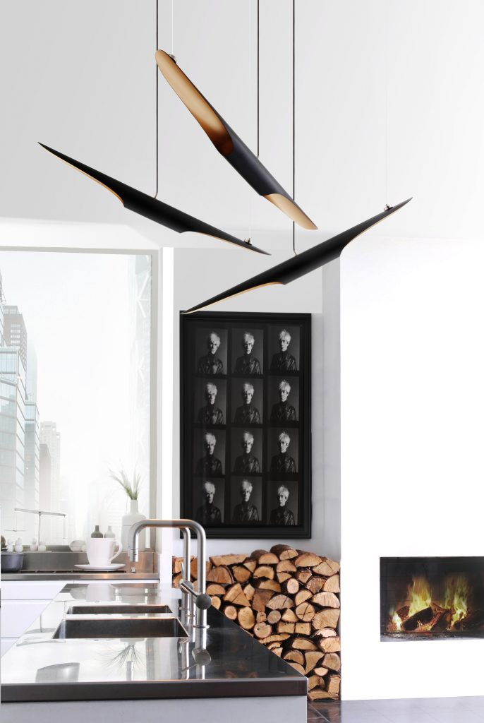 Learn How to Light Up Your Bar with These Mid-Century Pendant Lamps_5 mid-century pendant lamps Learn How to Light Up Your Bar with These Mid-Century Pendant Lamps Learn How to Light Up Your Bar with These Mid Century Pendant Lamps 5 686x1024
